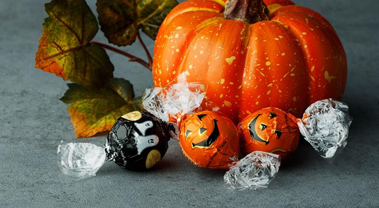 ご自宅でのハロウィンパーティなど、楽しいひと時を盛り上げるハロウィン限定リンドール